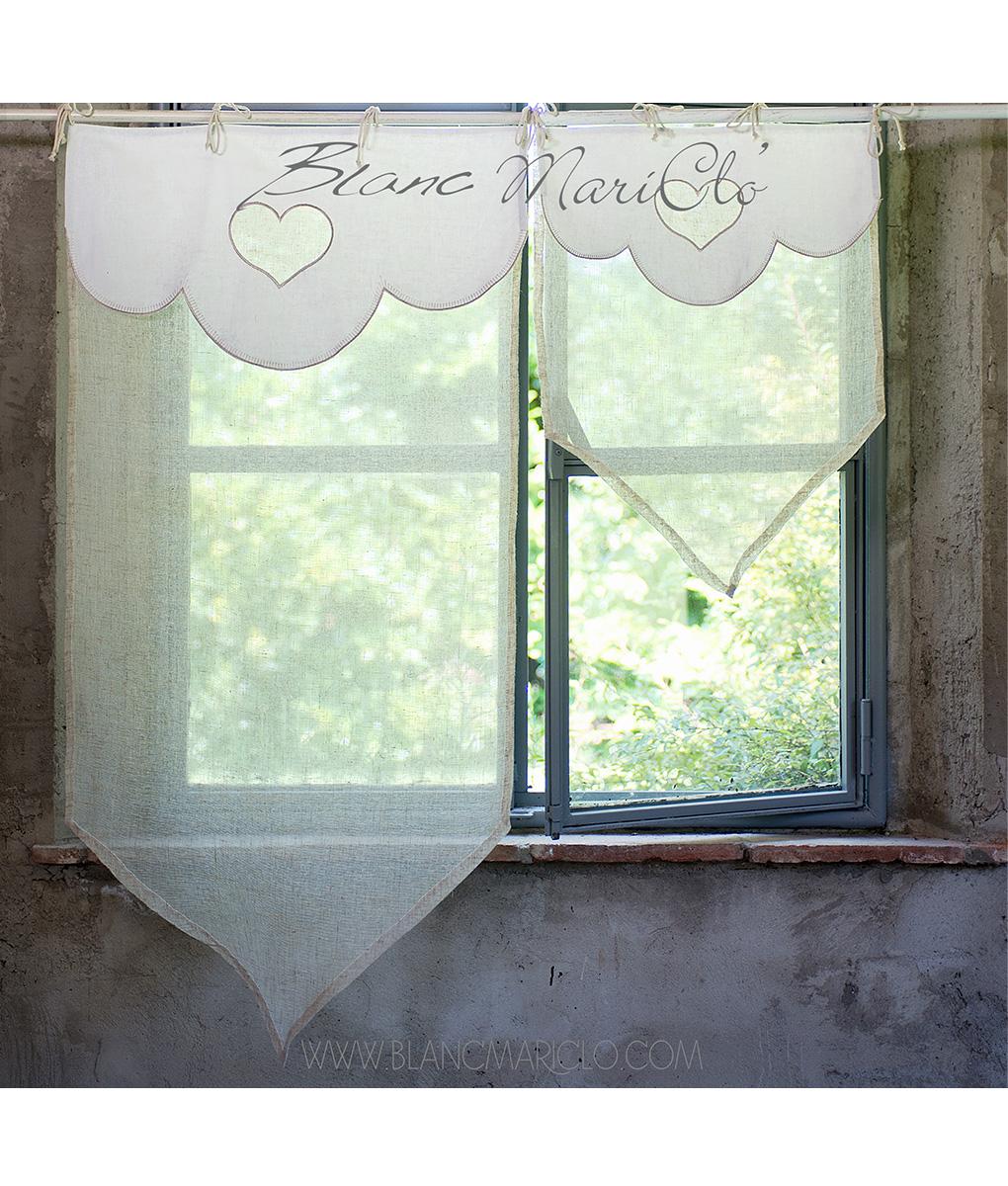 Tenda finestra con mantovana smerlata e bordo a punta for Tende a finestra
