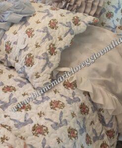 Boutis matrimoniale fiocchi azzurri Blanc Mariclo Romanzo Collection