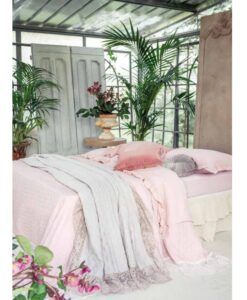 Boutis matrimoniale con gala in pizzo Blanc Mariclo Romantic Lace Rosa